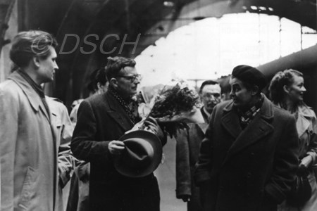 <p>Shostakovich at Berlin station on the day of arriv…</p>